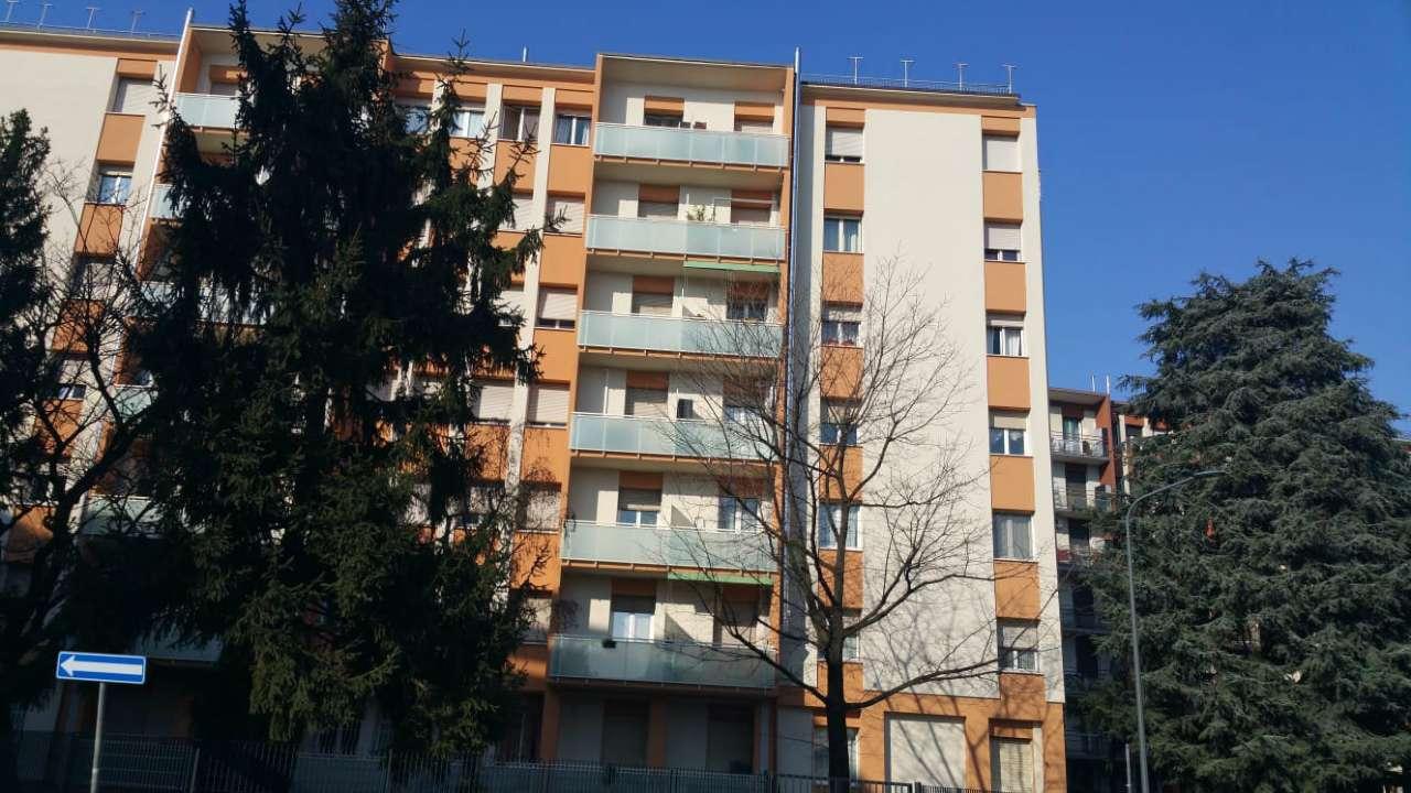 Appartamento in Vendita a Milano 29 Certosa / Bovisa / Dergano / Maciachini / Istria / Testi: 3 locali, 94 mq