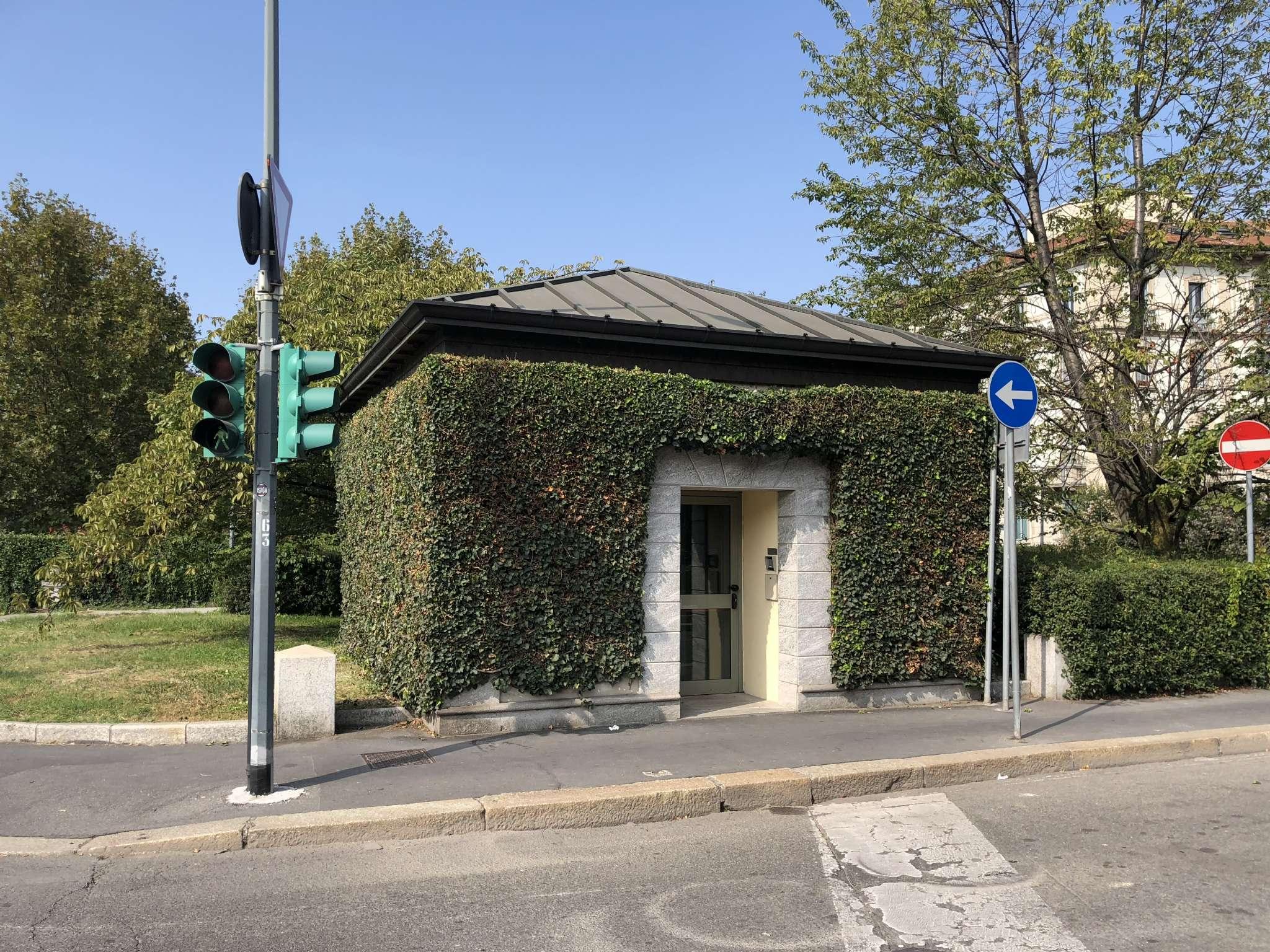 Posto-box auto in Vendita a Milano 17 Marghera / Wagner / Fiera: 1 locali, 14 mq