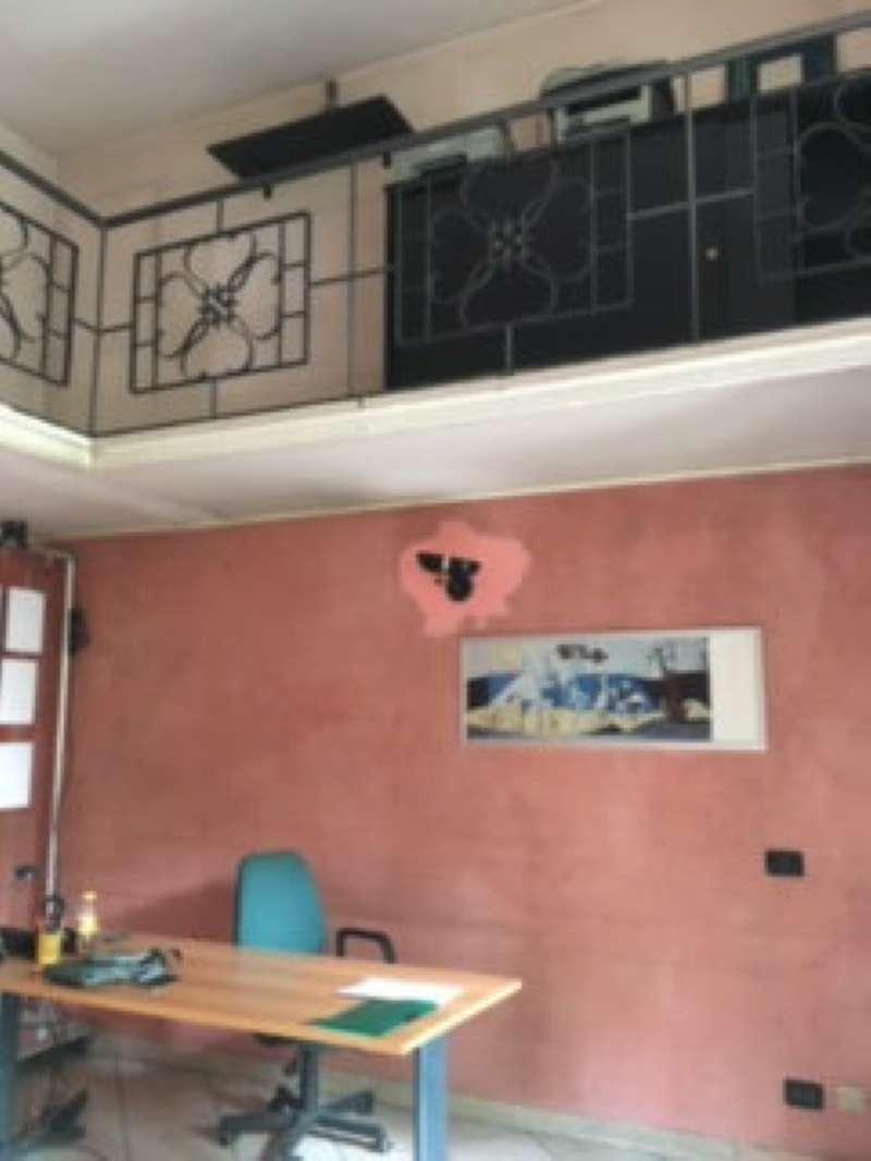 Negozio-locale in Affitto a Milano 17 Marghera / Wagner / Fiera: 1 locali, 32 mq