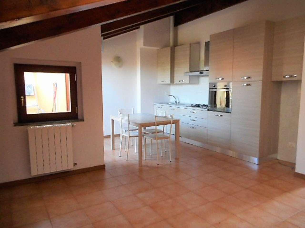 Appartamento in affitto a Bovisio Masciago, 3 locali, prezzo € 600 | CambioCasa.it