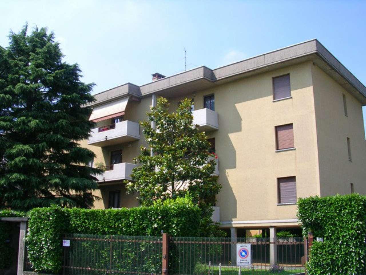 Appartamento in affitto a Varedo, 3 locali, prezzo € 650 | CambioCasa.it