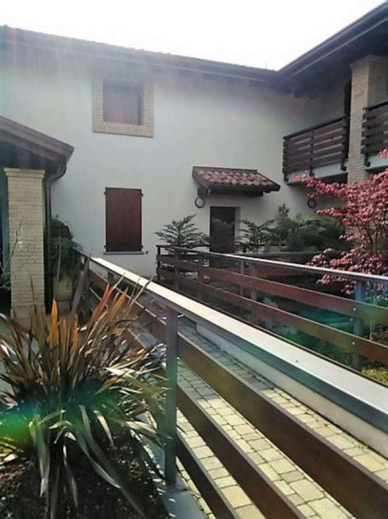 Soluzione Indipendente in vendita a Vedano Olona, 4 locali, prezzo € 320.000 | Cambio Casa.it