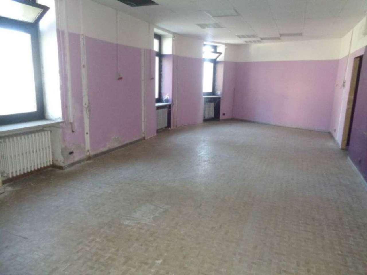 Negozio / Locale in vendita a Malnate, 1 locali, prezzo € 99.000 | Cambio Casa.it