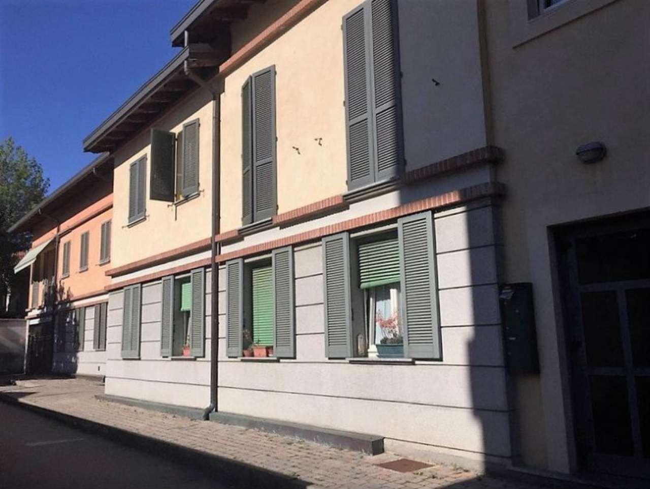 Appartamento in vendita a Vedano Olona, 4 locali, prezzo € 180.000 | Cambio Casa.it