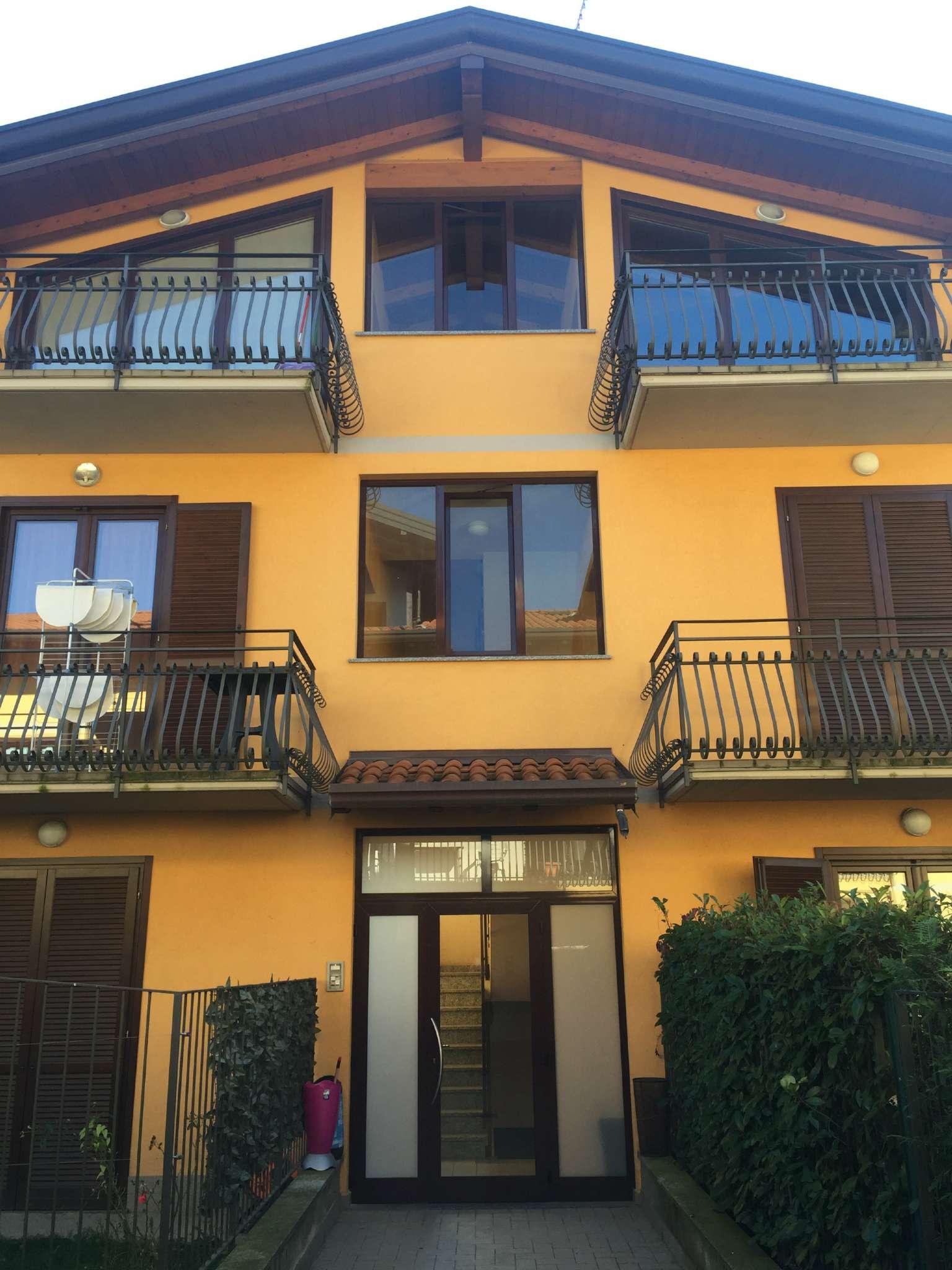 Attico / Mansarda in vendita a Binago, 2 locali, prezzo € 129.000   Cambio Casa.it