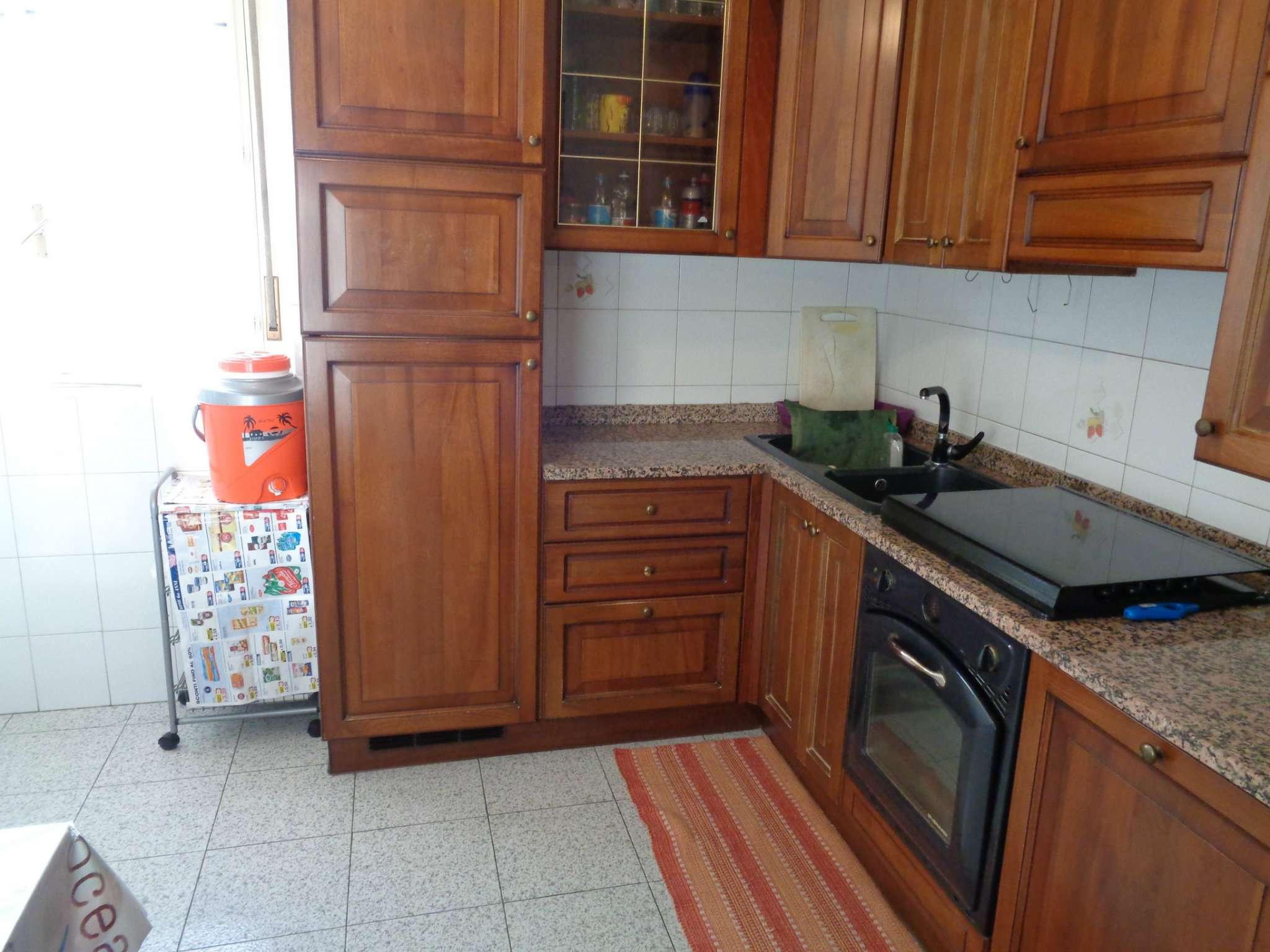 Appartamento in vendita a Malnate, 3 locali, prezzo € 129.000 | CambioCasa.it