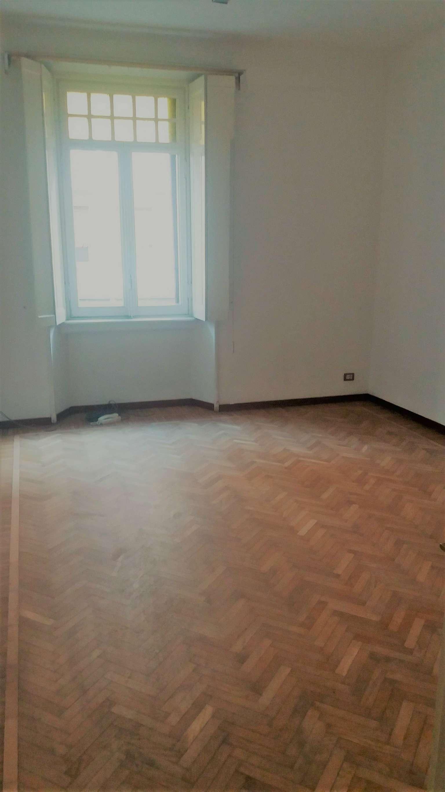 Ufficio / Studio in affitto a Varese, 5 locali, prezzo € 800 | Cambio Casa.it