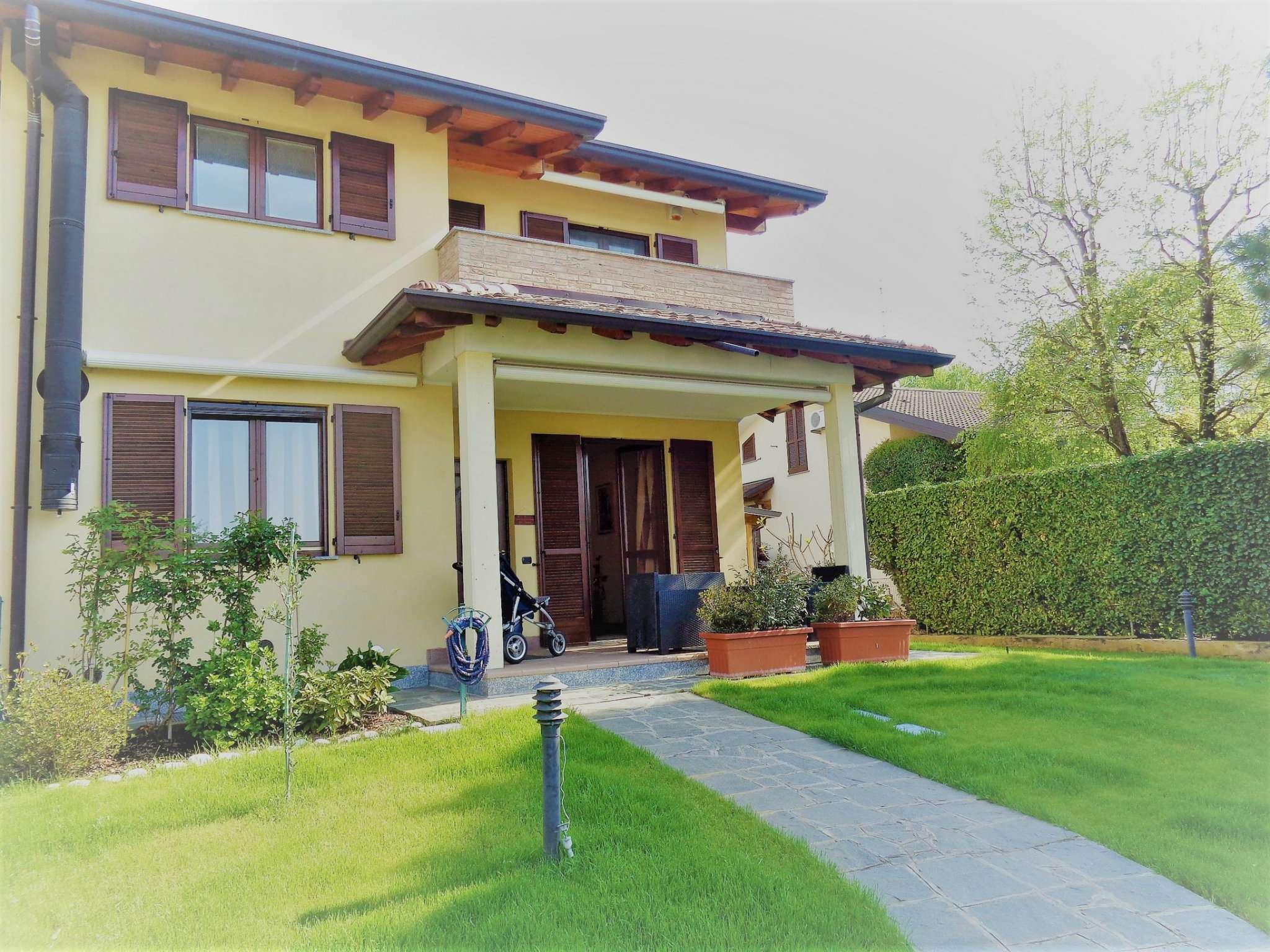 Villa a Schiera in vendita a Carbonate, 4 locali, prezzo € 320.000 | Cambio Casa.it