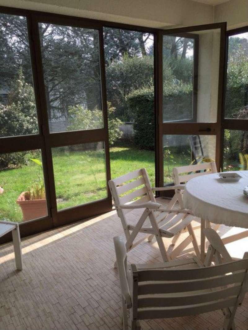 Villa in vendita a Varese, 6 locali, prezzo € 580.000 | CambioCasa.it