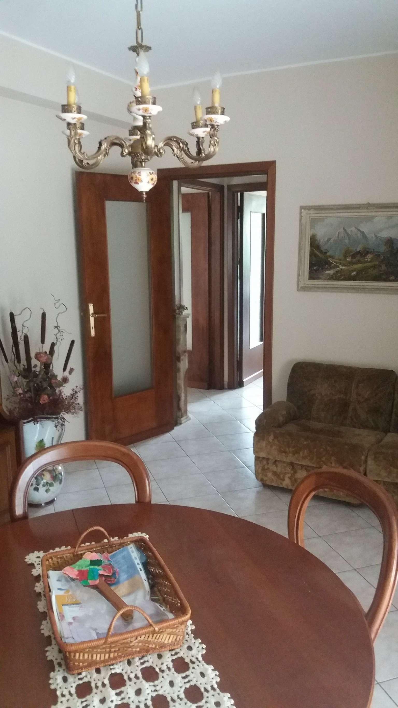 Appartamento in vendita a Malnate, 3 locali, prezzo € 99.000 | CambioCasa.it