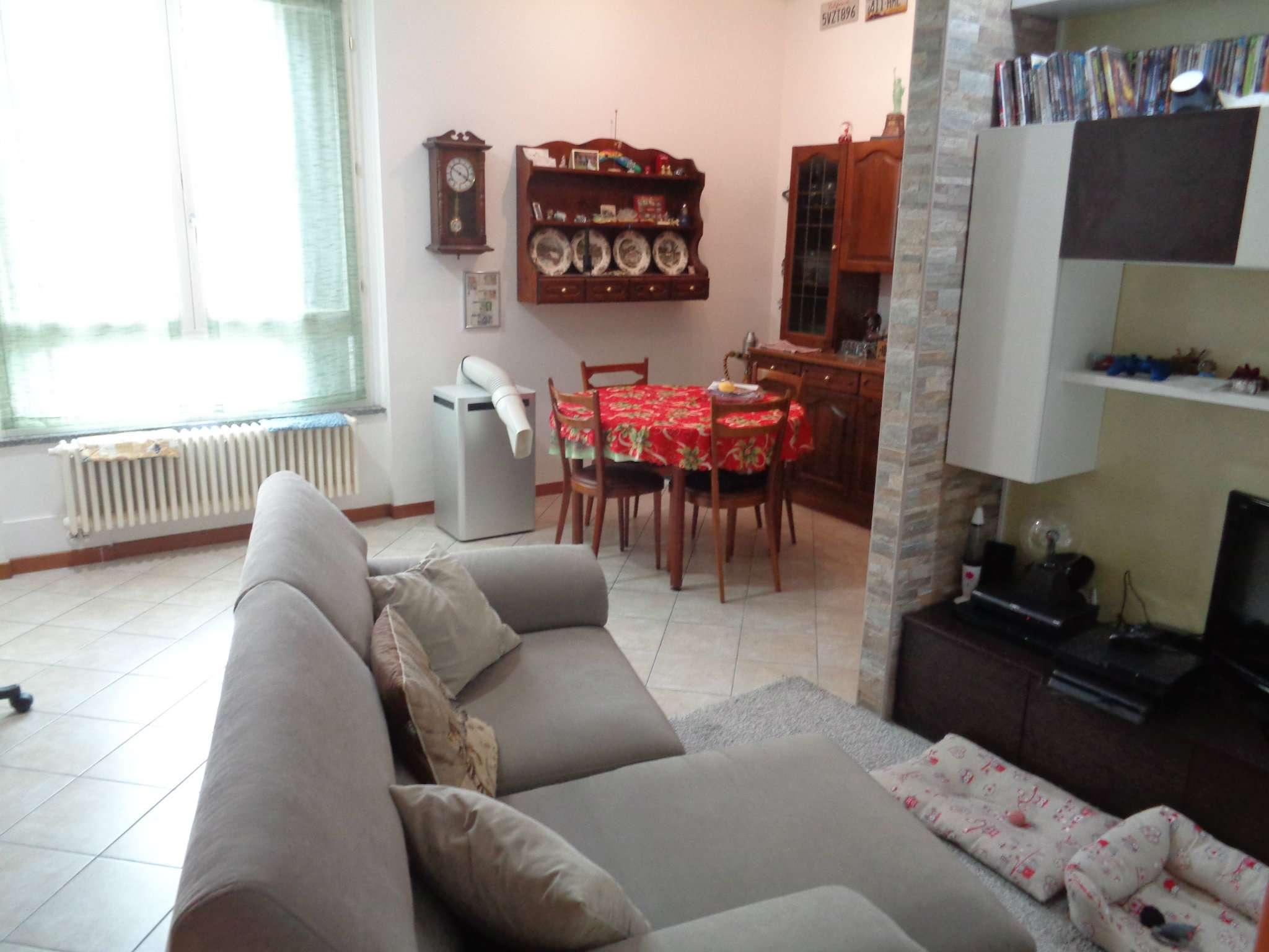 Appartamento in vendita a Malnate, 2 locali, prezzo € 105.000 | CambioCasa.it