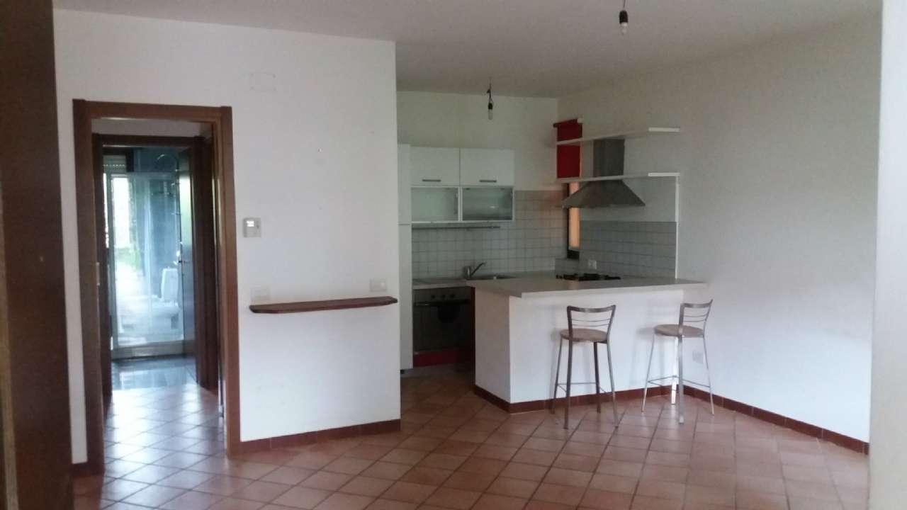 Appartamento in vendita a Malnate, 2 locali, prezzo € 119.000 | CambioCasa.it