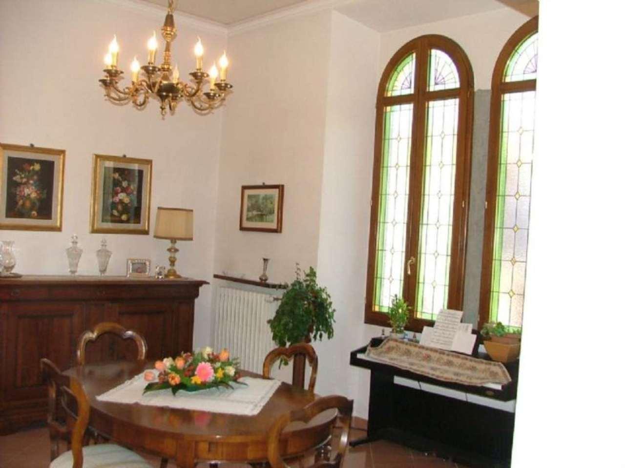 Villa in vendita a Rufina, 7 locali, prezzo € 580.000   Cambio Casa.it