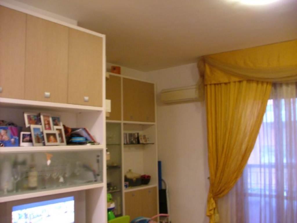 Appartamento in affitto a Pontassieve, 4 locali, prezzo € 700 | Cambio Casa.it