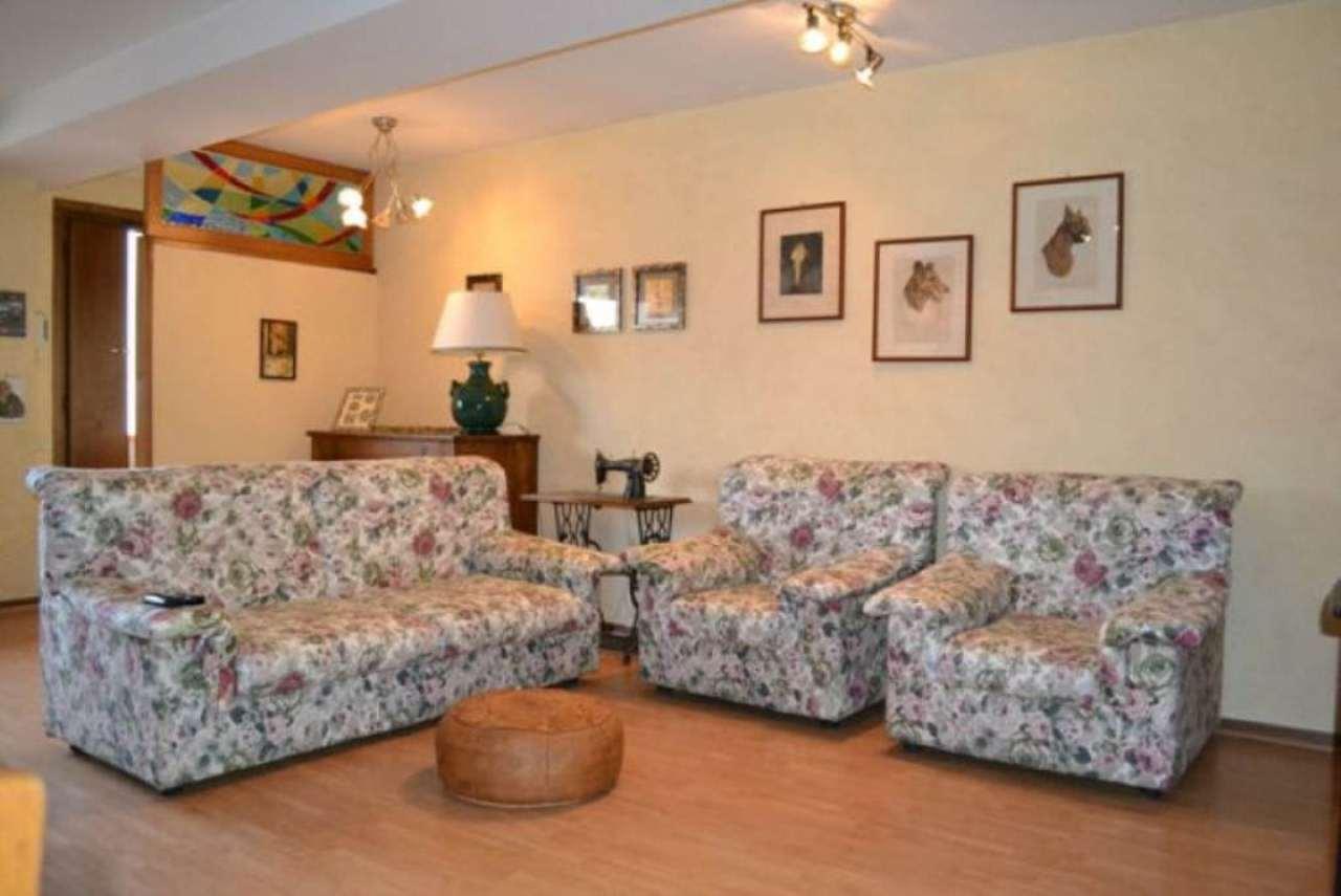 Appartamento in vendita a Reggello, 5 locali, prezzo € 89.000 | Cambio Casa.it