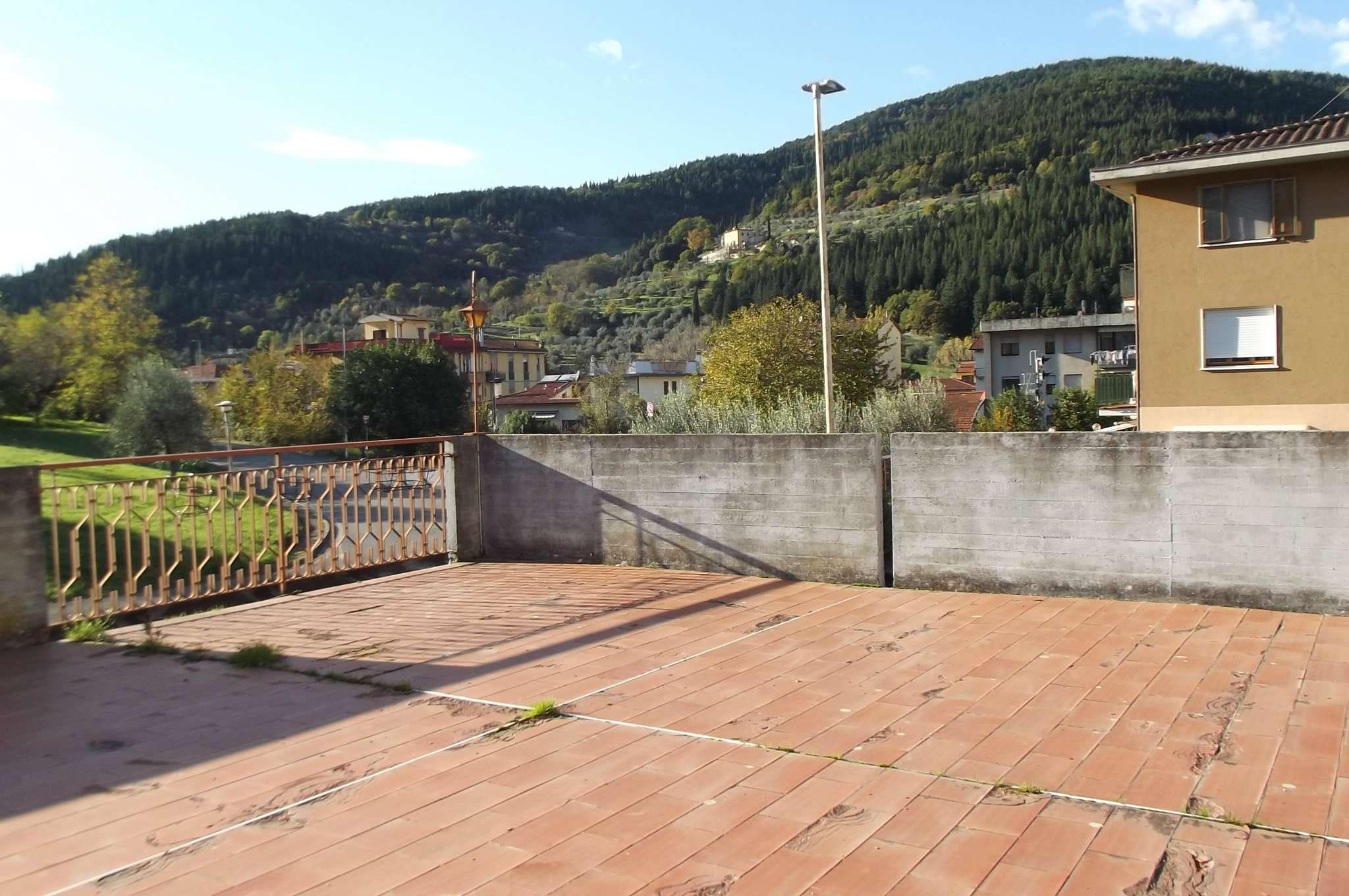 Appartamento in affitto a Pontassieve, 5 locali, prezzo € 800 | Cambio Casa.it