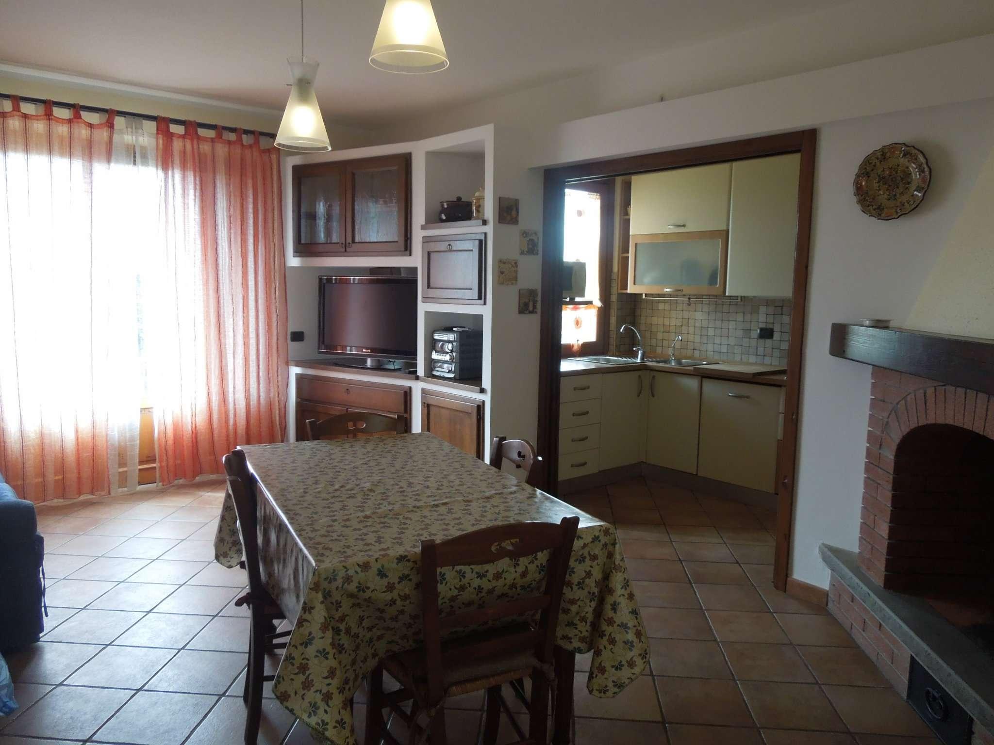 Villa Bifamiliare in affitto a Pelago, 5 locali, prezzo € 750 | Cambio Casa.it