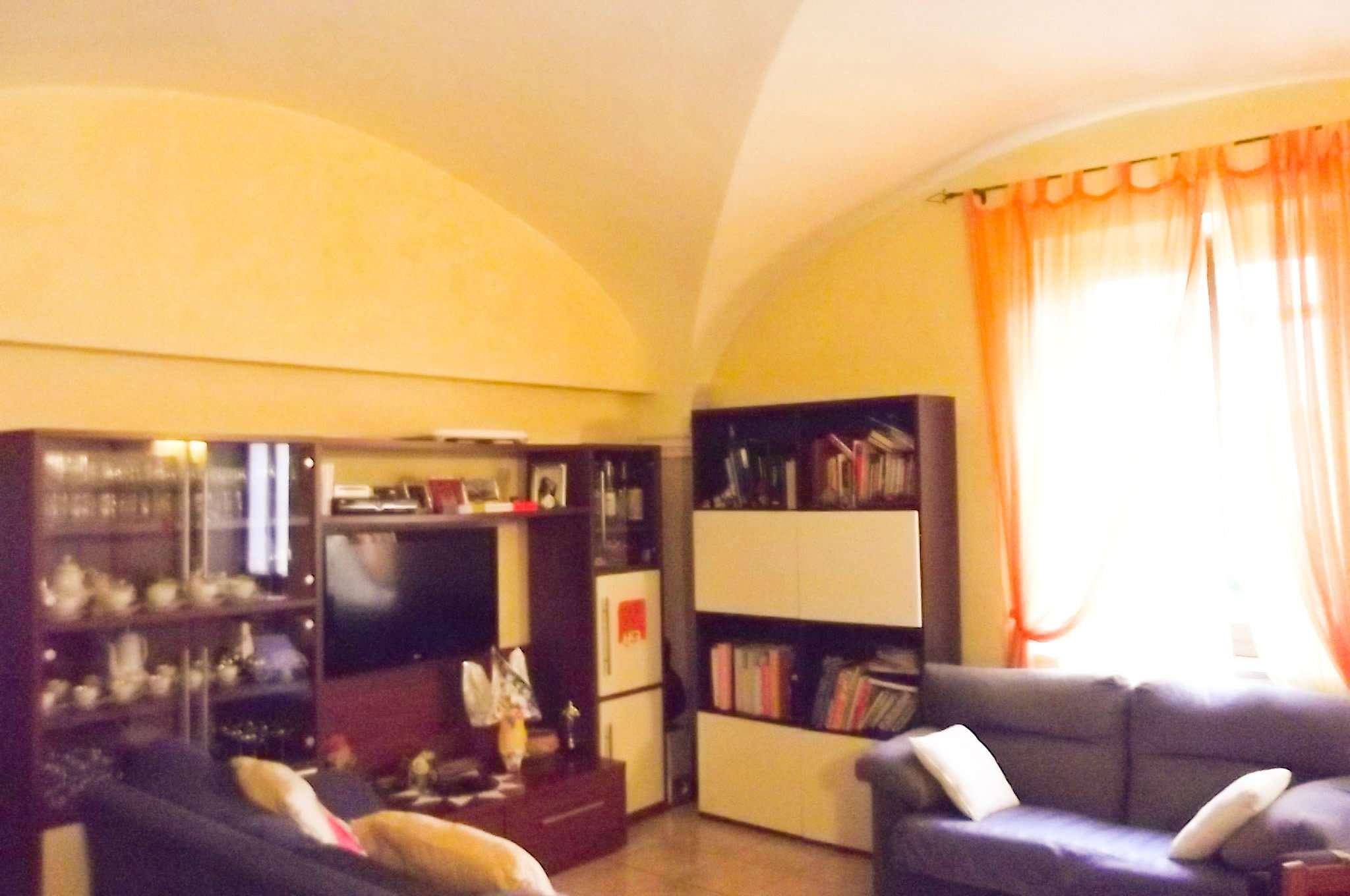 Appartamento in affitto a Pontassieve, 4 locali, prezzo € 600 | Cambio Casa.it