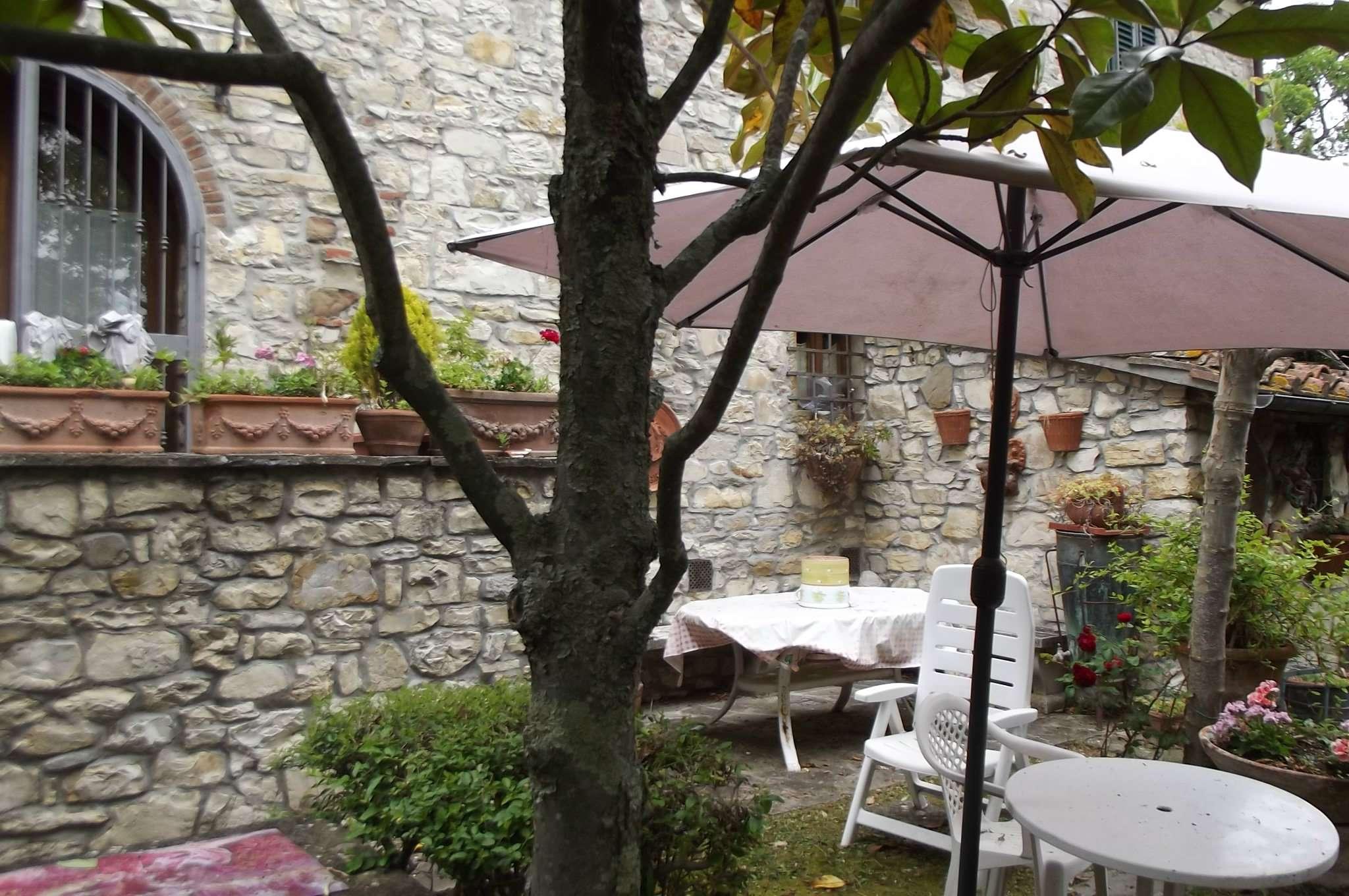 Rustico / Casale in vendita a Pelago, 6 locali, prezzo € 400.000 | CambioCasa.it