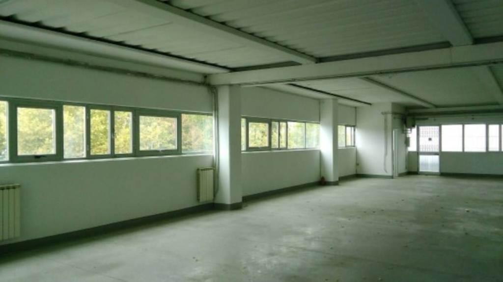 Laboratorio in affitto a Poggio a Caiano, 3 locali, prezzo € 1.250 | Cambio Casa.it