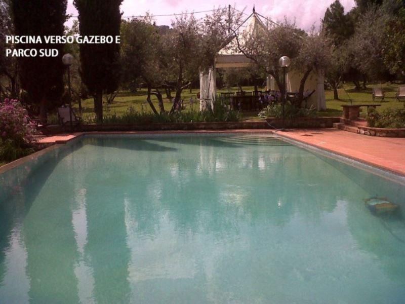Villa in vendita a Lastra a Signa, 7 locali, prezzo € 870.000 | CambioCasa.it