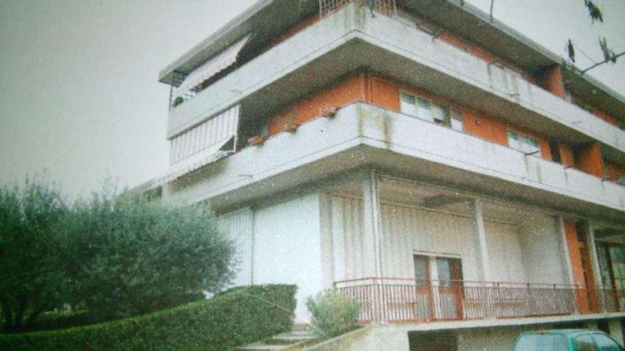 Magazzino in vendita a Signa, 9999 locali, prezzo € 95.000 | Cambio Casa.it