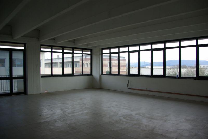 Laboratorio in affitto a Scandicci, 9999 locali, prezzo € 2.650 | Cambio Casa.it