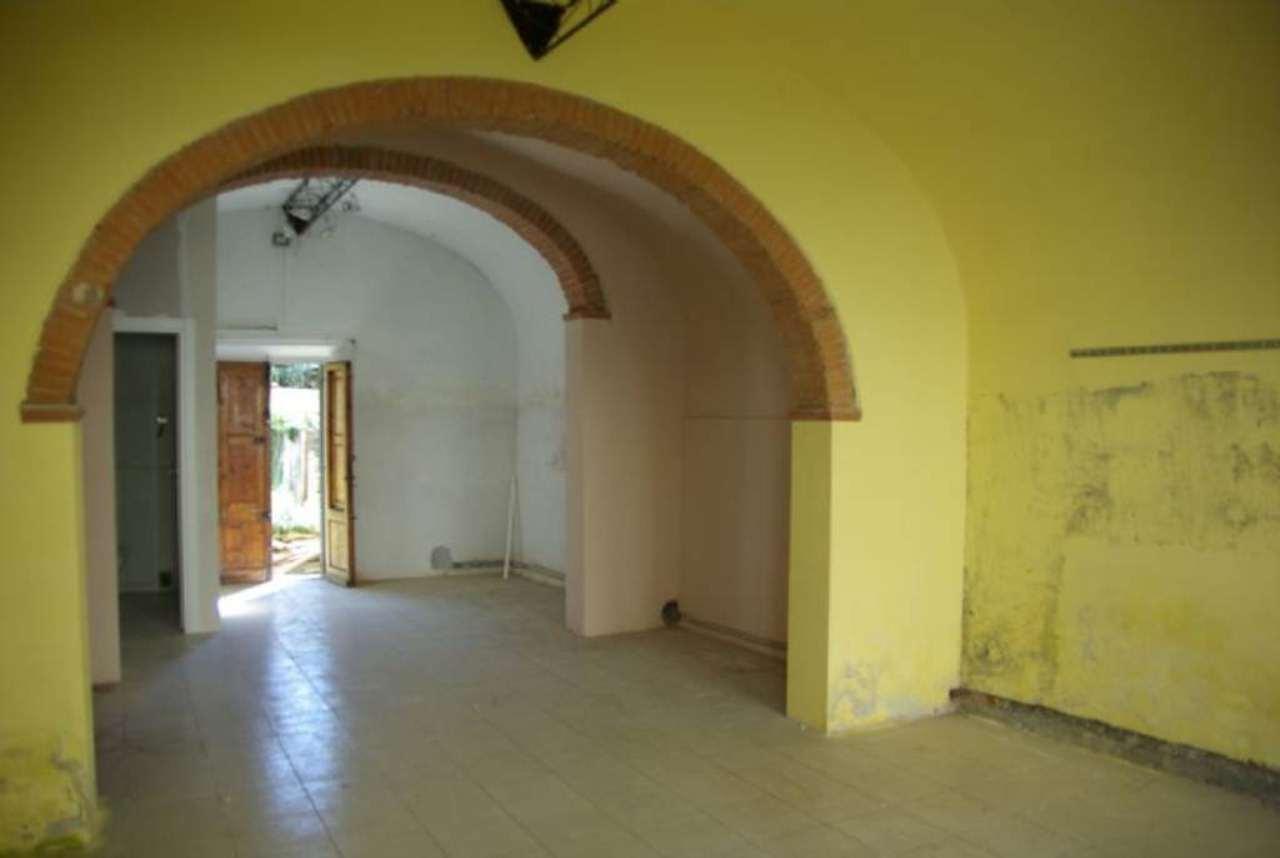 Negozio / Locale in affitto a Lastra a Signa, 9999 locali, prezzo € 450 | Cambio Casa.it