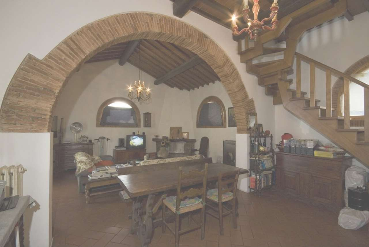 Palazzo / Stabile in vendita a Lastra a Signa, 3 locali, prezzo € 235.000 | CambioCasa.it