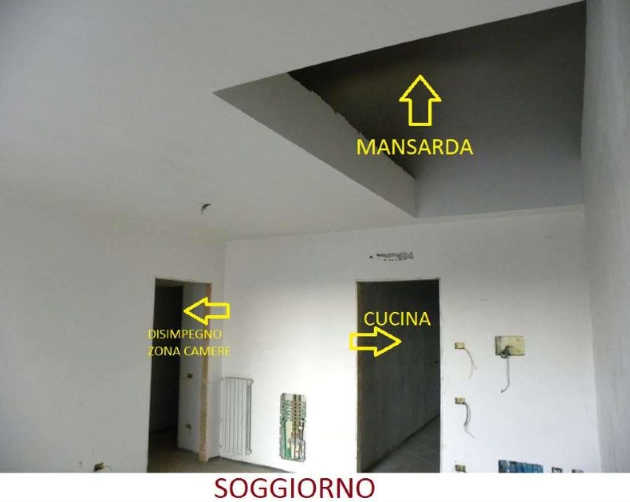 Attico / Mansarda in vendita a Lazzate, 4 locali, prezzo € 250.000 | CambioCasa.it