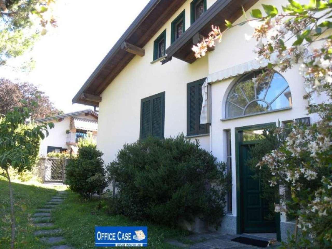 Villa in vendita a Laveno-Mombello, 3 locali, prezzo € 330.000 | Cambio Casa.it