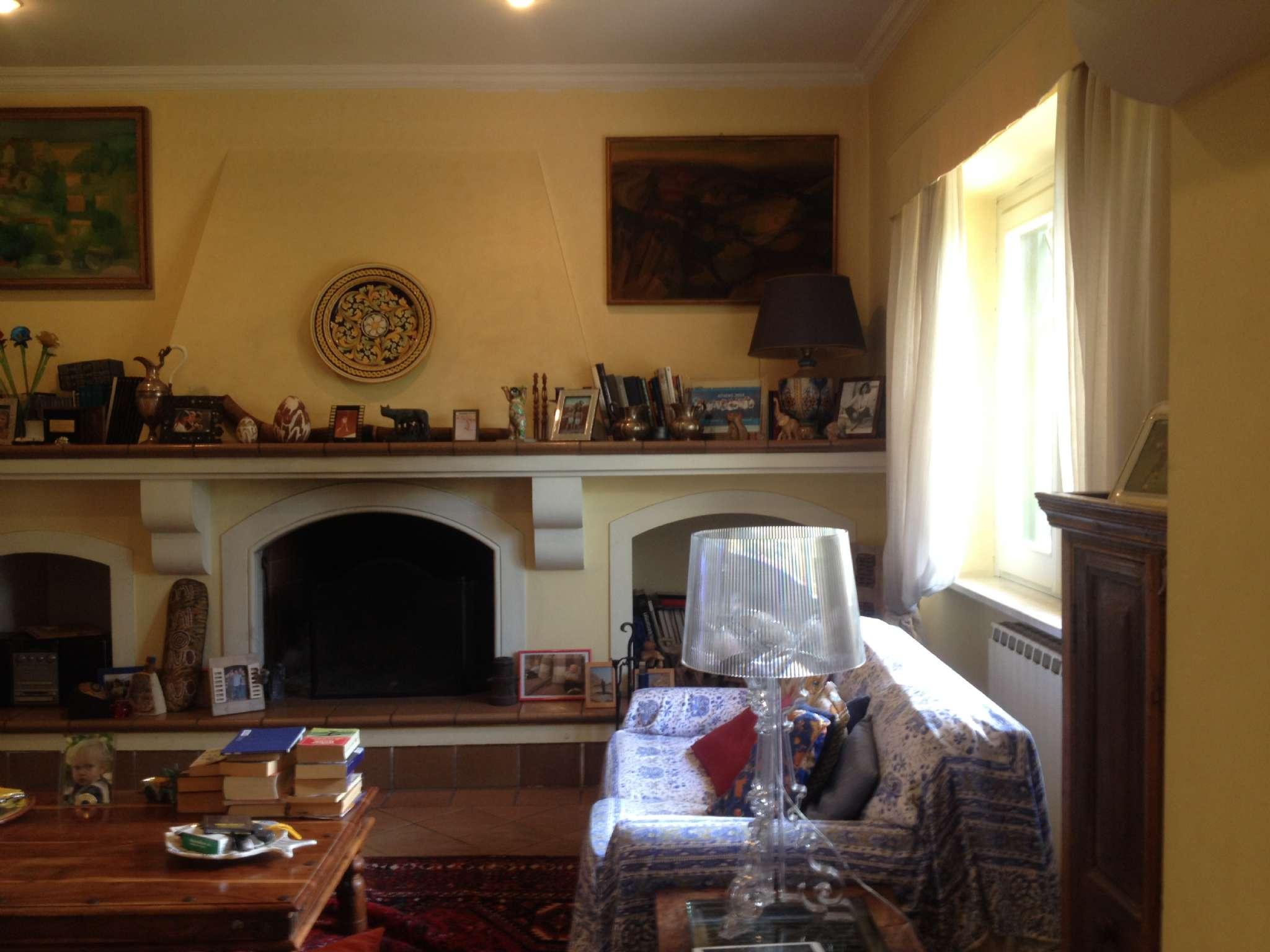 Villa in vendita a Sacrofano, 10 locali, prezzo € 509.000 | CambioCasa.it