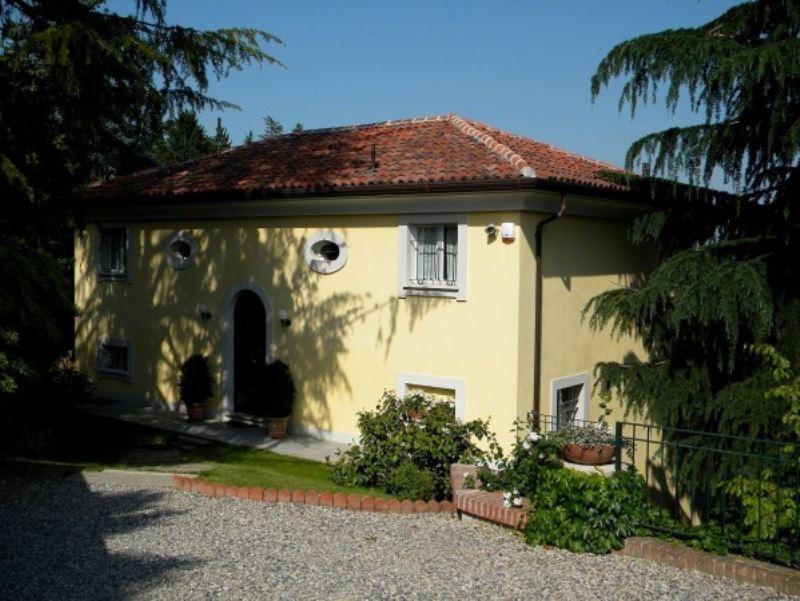 Villa in vendita a Pino Torinese, 6 locali, Trattative riservate | Cambio Casa.it