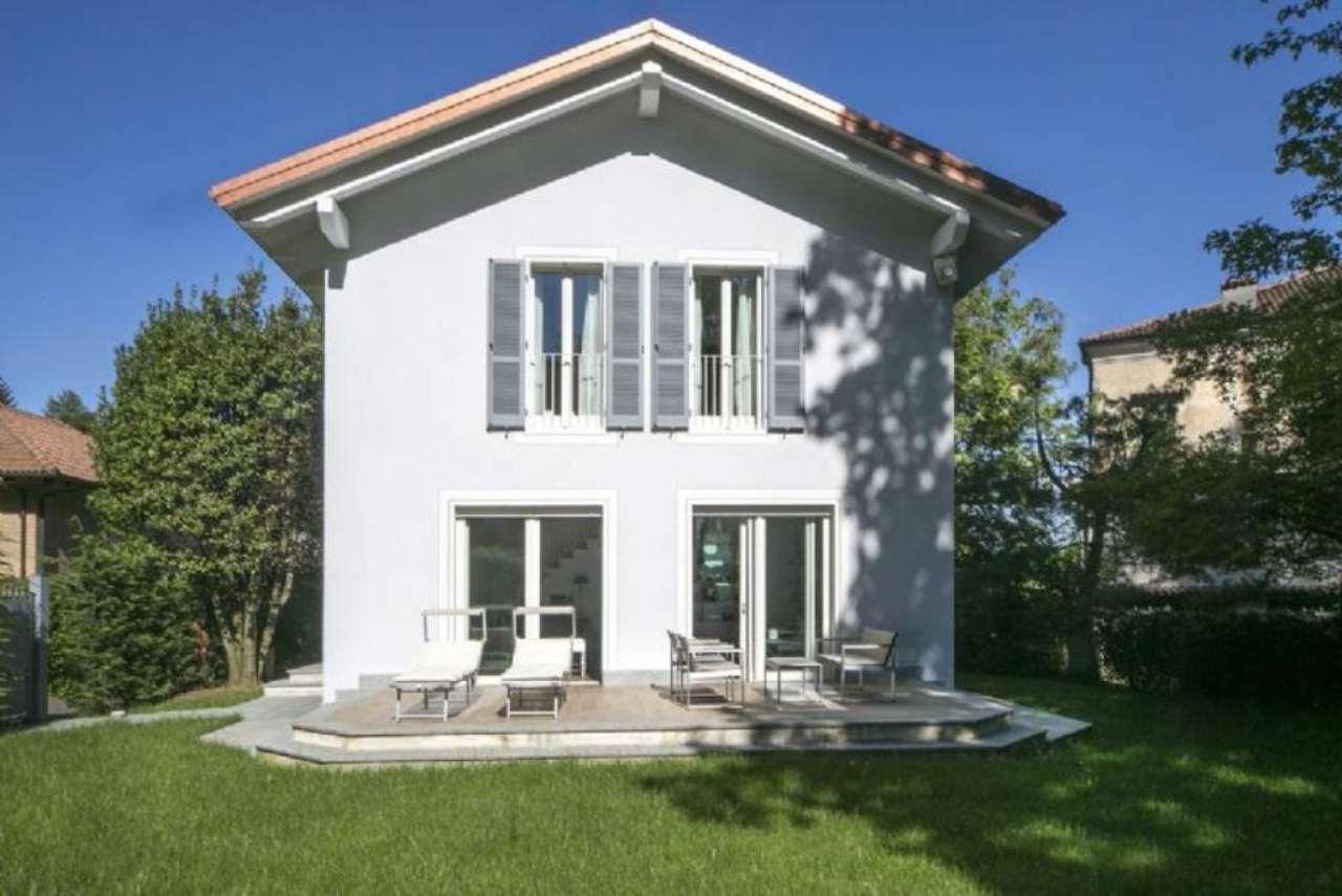 Villa in vendita a Pino Torinese, 6 locali, prezzo € 670.000 | Cambio Casa.it