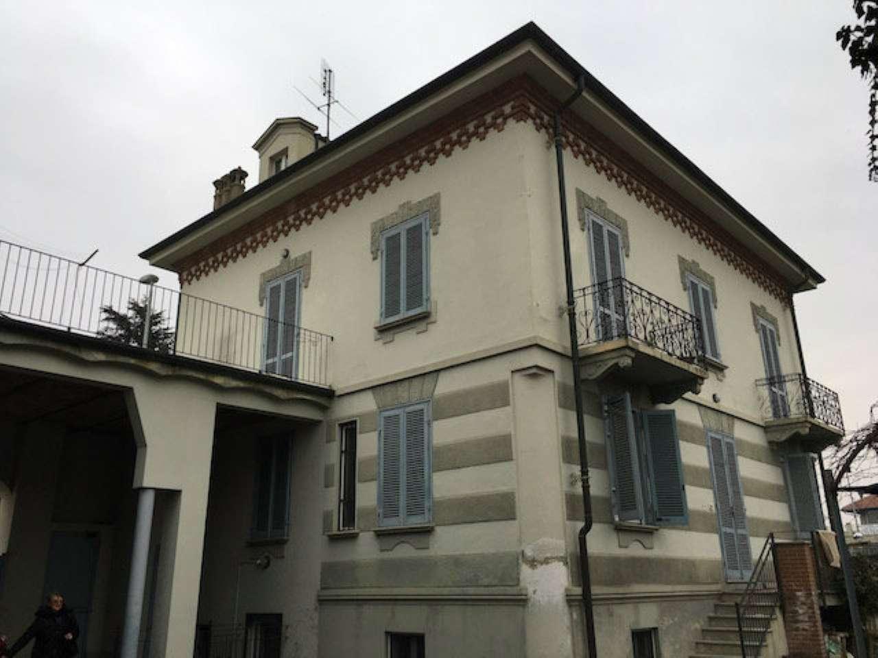 Appartamento in vendita a Cambiano, 5 locali, prezzo € 150.000 | Cambio Casa.it