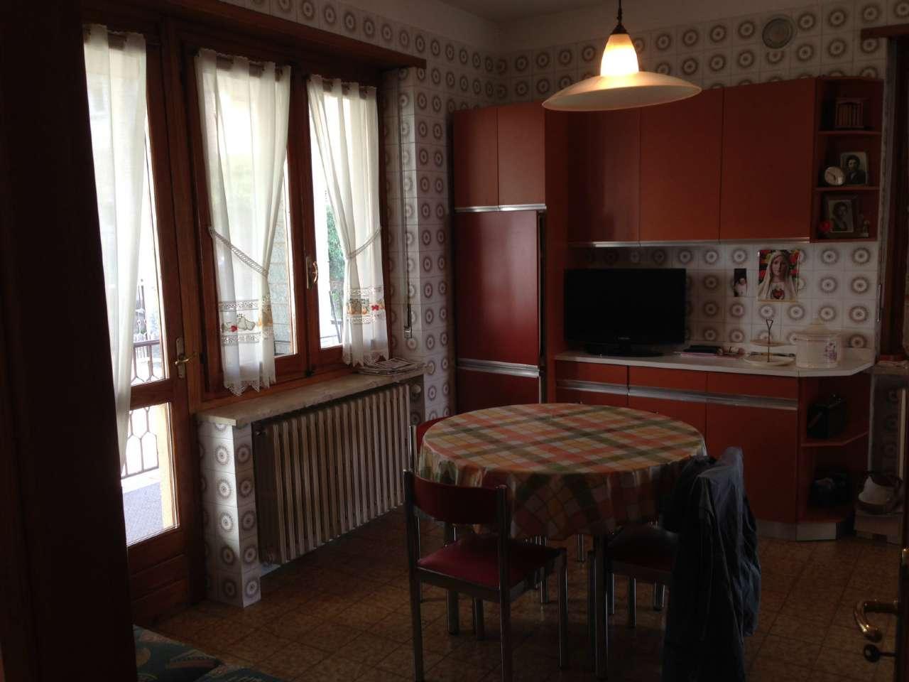 Villa-Villetta Bifamiliare in Vendita a Pecetto Torinese