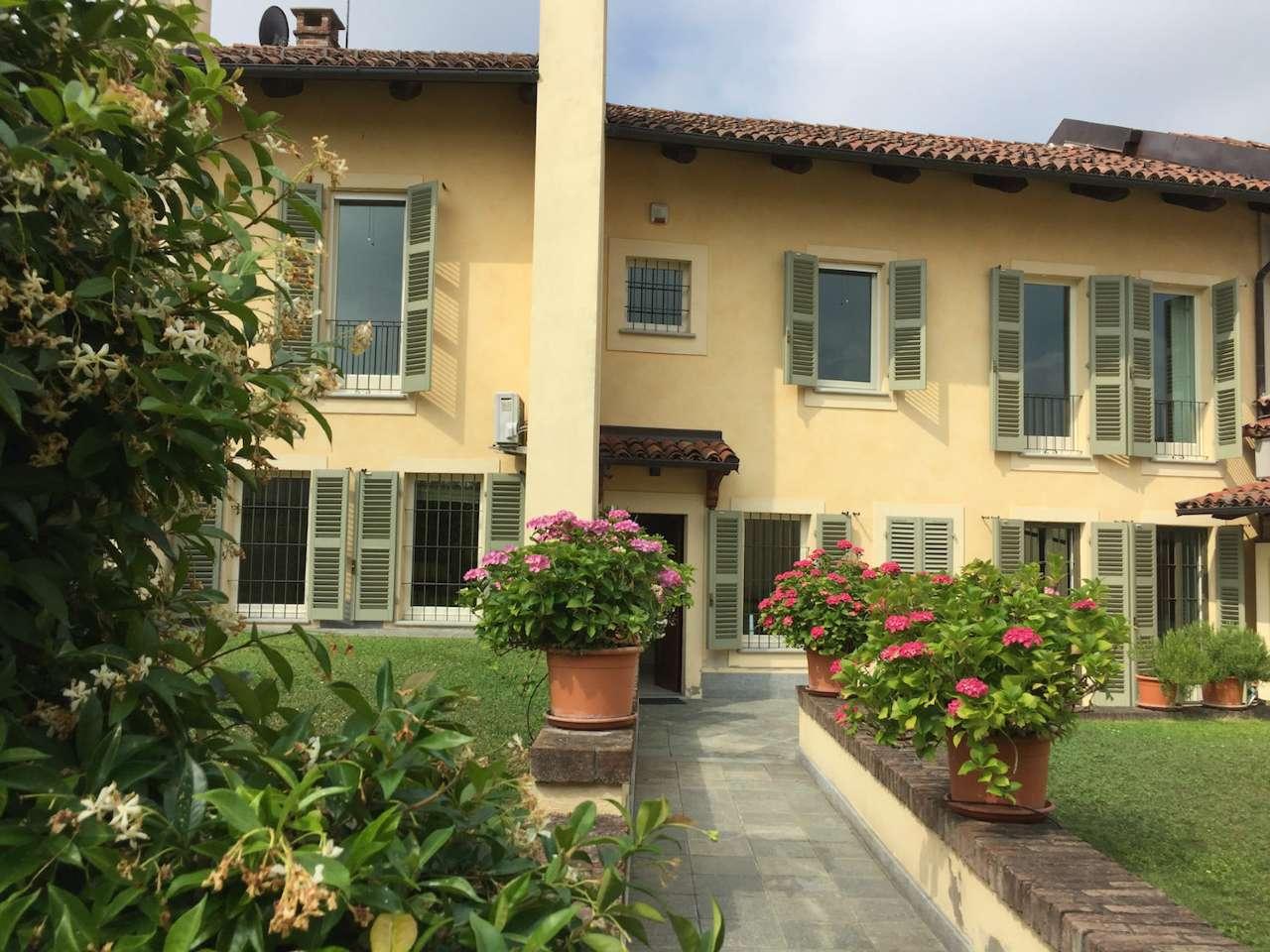 Soluzione Indipendente in vendita a Chieri, 10 locali, prezzo € 750.000 | Cambio Casa.it
