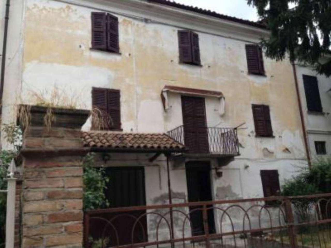 Soluzione Indipendente in vendita a Nizza Monferrato, 9 locali, prezzo € 75.000 | Cambio Casa.it