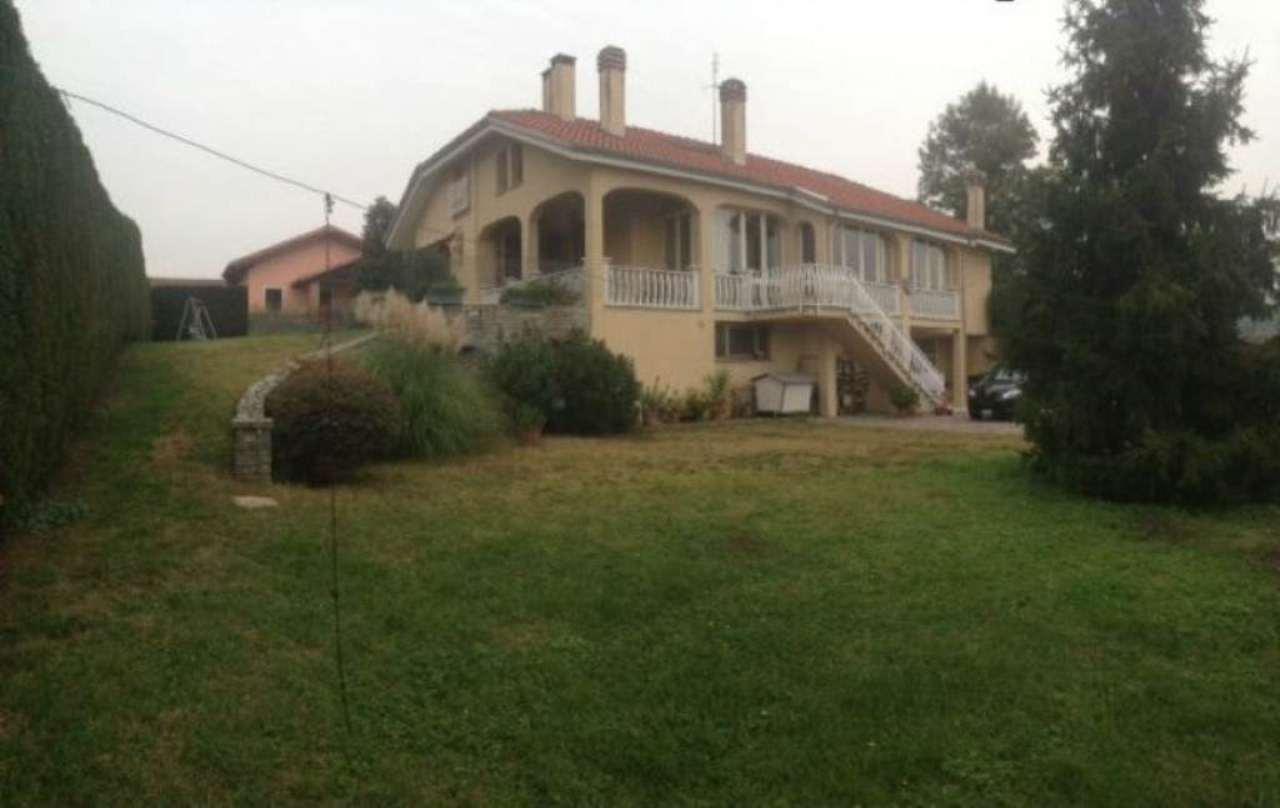 Villa in vendita a Asti, 5 locali, prezzo € 450.000   Cambio Casa.it