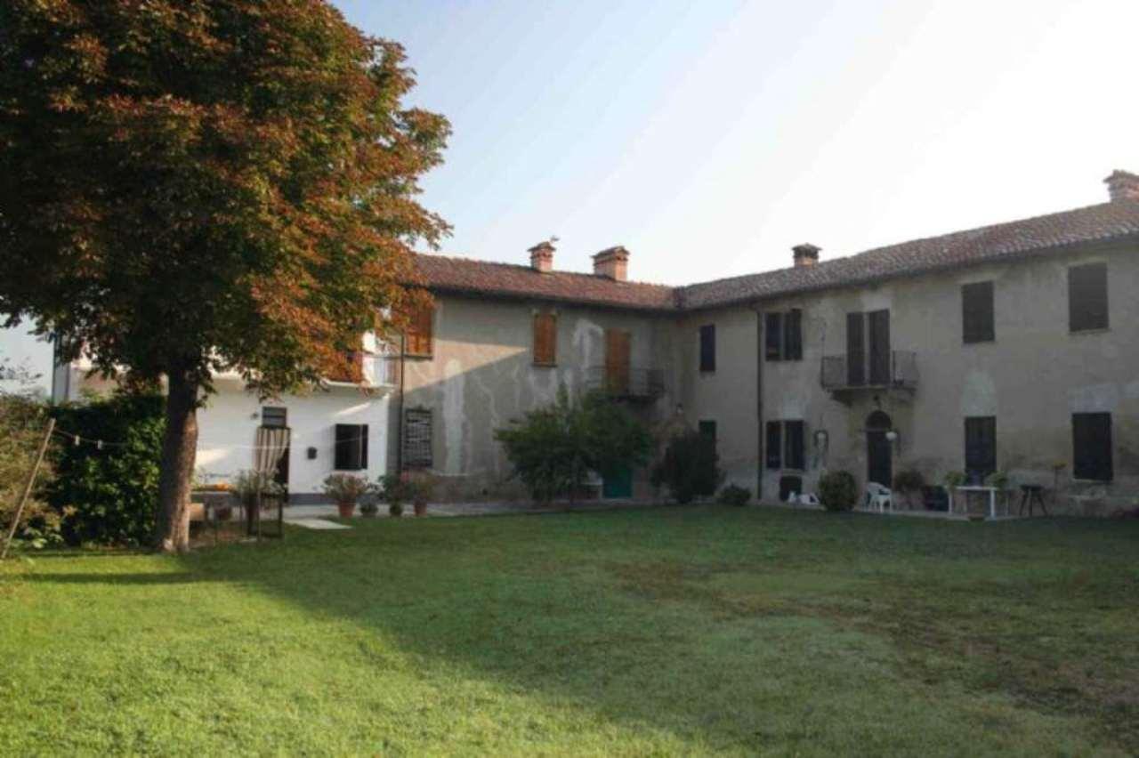 Rustico / Casale in vendita a Calliano, 10 locali, prezzo € 280.000 | Cambio Casa.it