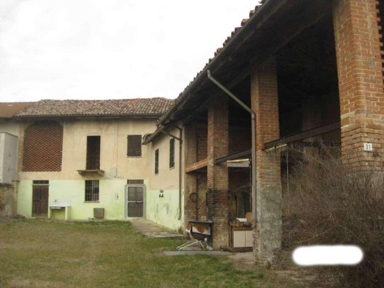 Rustico / Casale in vendita a Alfiano Natta, 8 locali, prezzo € 70.000   Cambio Casa.it