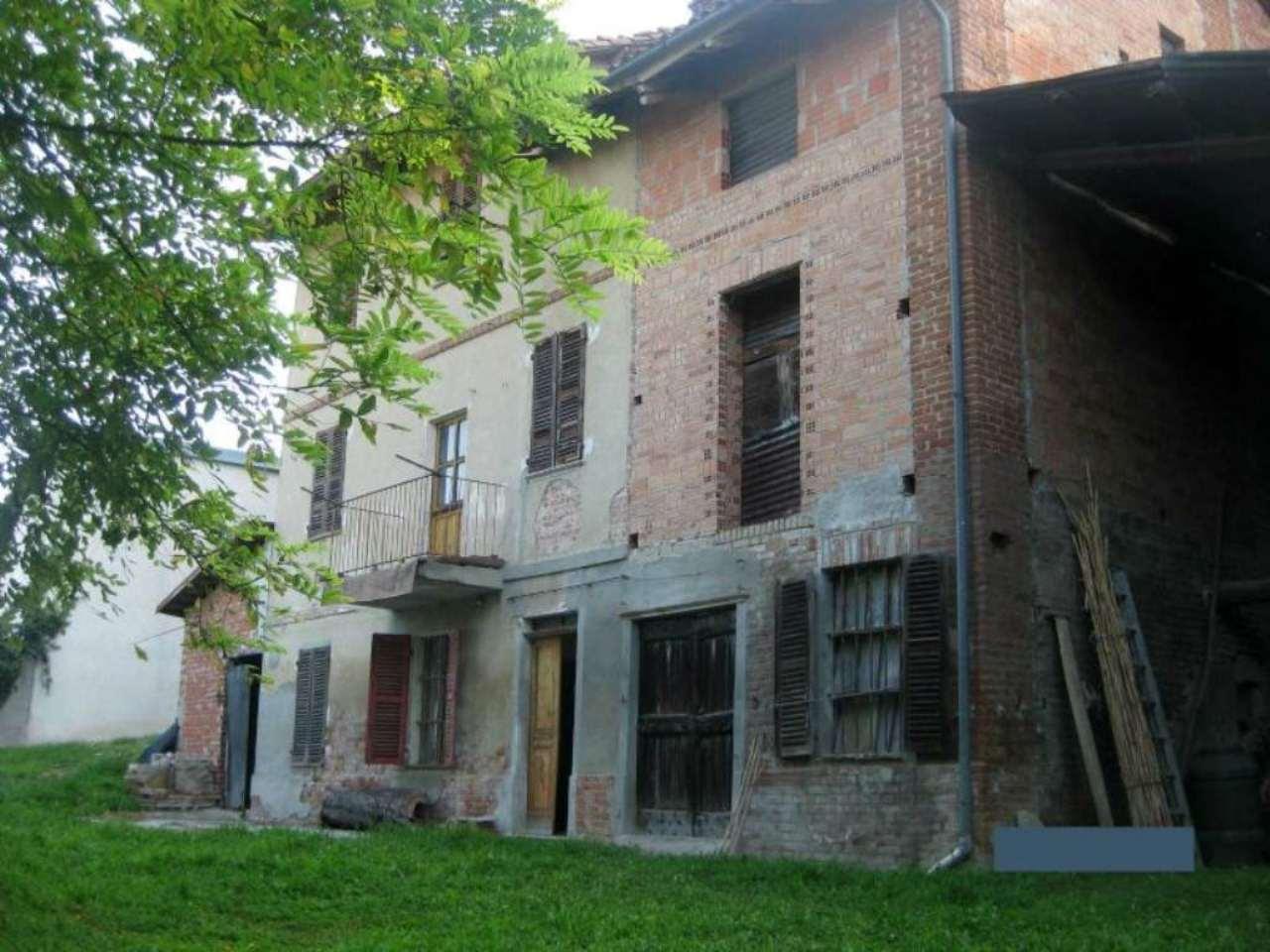 Soluzione Indipendente in vendita a Montiglio Monferrato, 7 locali, prezzo € 110.000   Cambio Casa.it