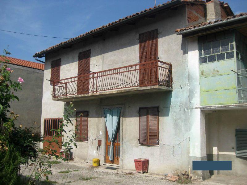 Soluzione Indipendente in vendita a Montiglio Monferrato, 14 locali, prezzo € 50.000   Cambio Casa.it