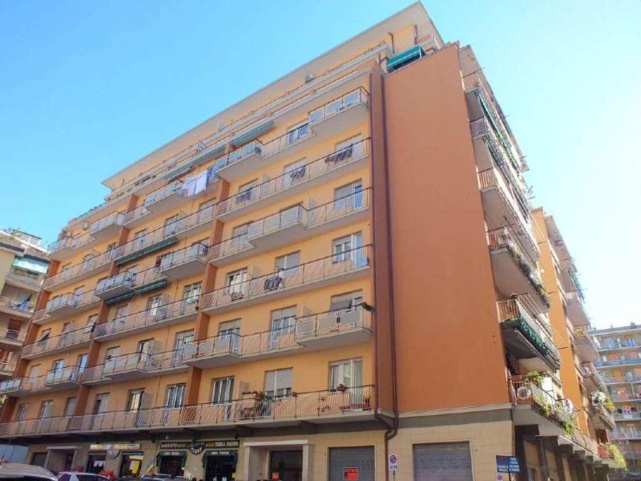 Appartamento in vendita a Genova, 5 locali, zona Zona: 13 . Sestri Ponente, Medio Ponente, prezzo € 149.000 | Cambio Casa.it
