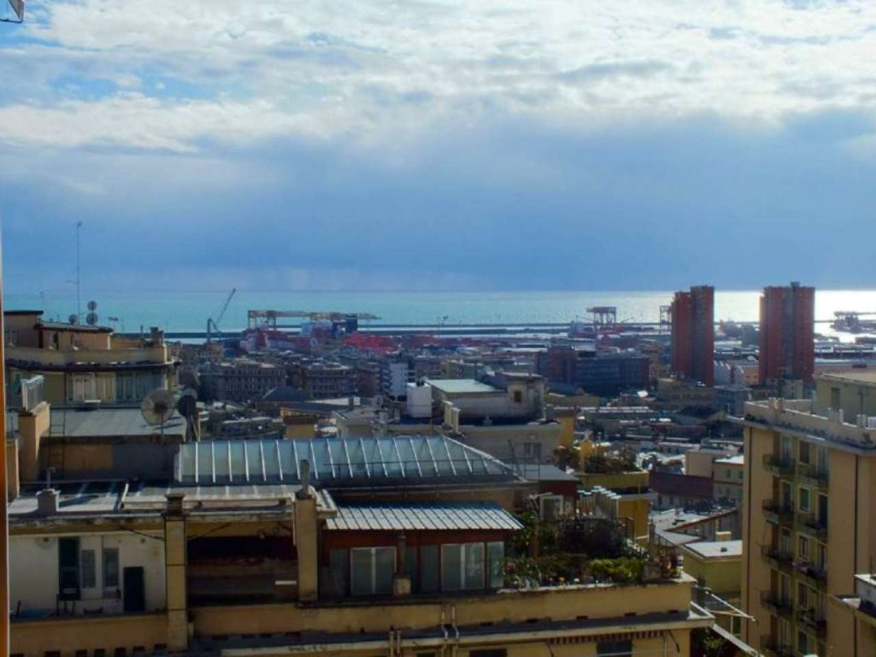 Appartamento in vendita a Genova, 5 locali, zona Zona: 8 . Sampierdarena, Certosa-Rivarolo, Centro Ovest, S.Teodoro, prezzo € 159.000 | Cambio Casa.it