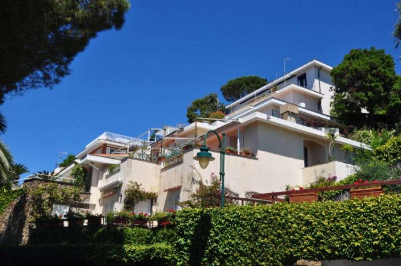 Appartamento in vendita a Arenzano, 6 locali, prezzo € 670.000 | Cambio Casa.it