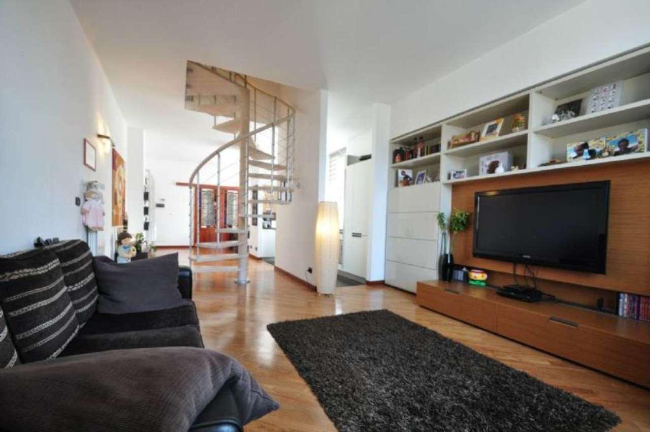 Appartamento in vendita a Genova, 5 locali, zona Zona: 13 . Sestri Ponente, Medio Ponente, prezzo € 220.000 | Cambio Casa.it