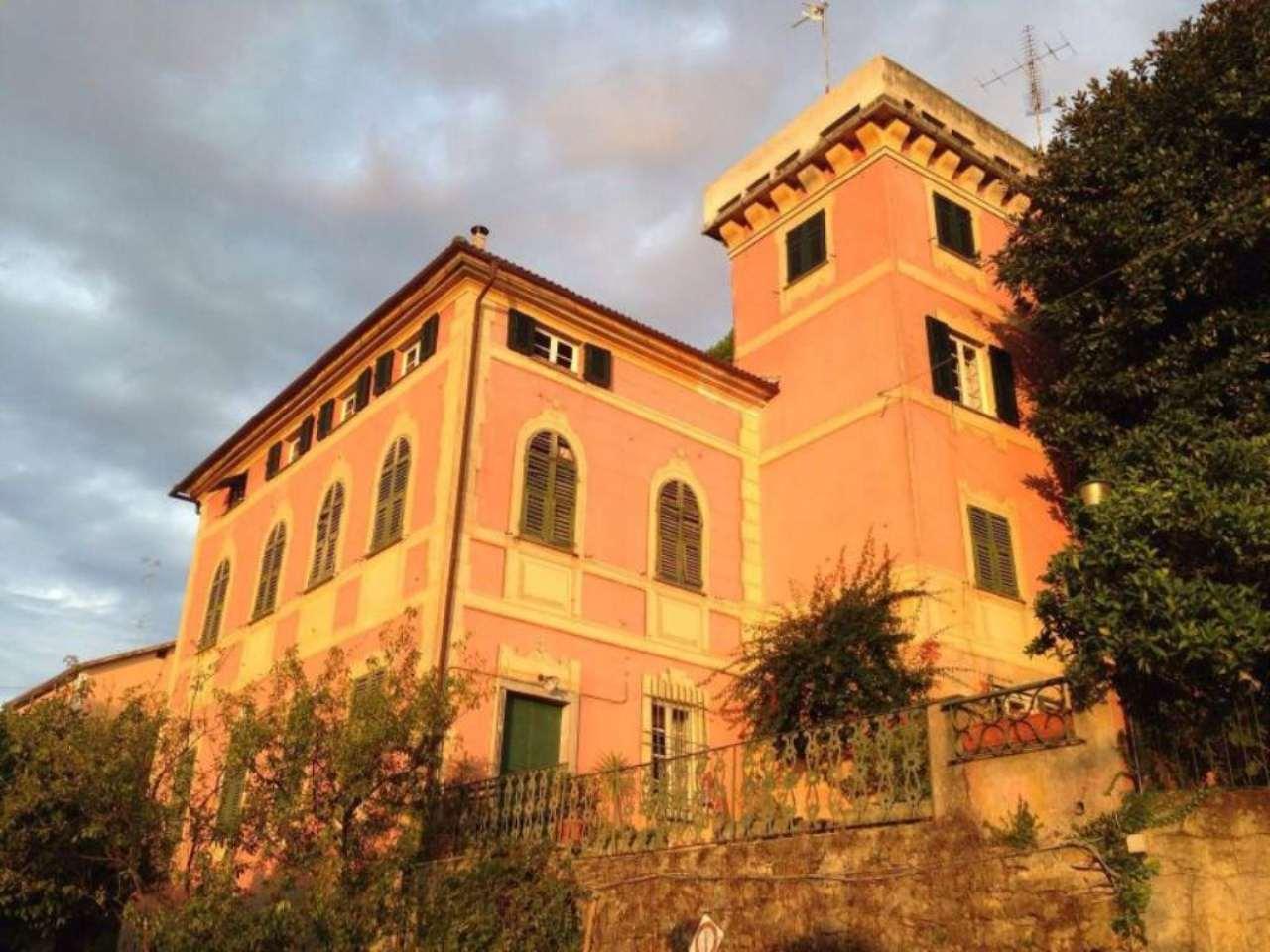 Villa Bifamiliare in Vendita a Recco