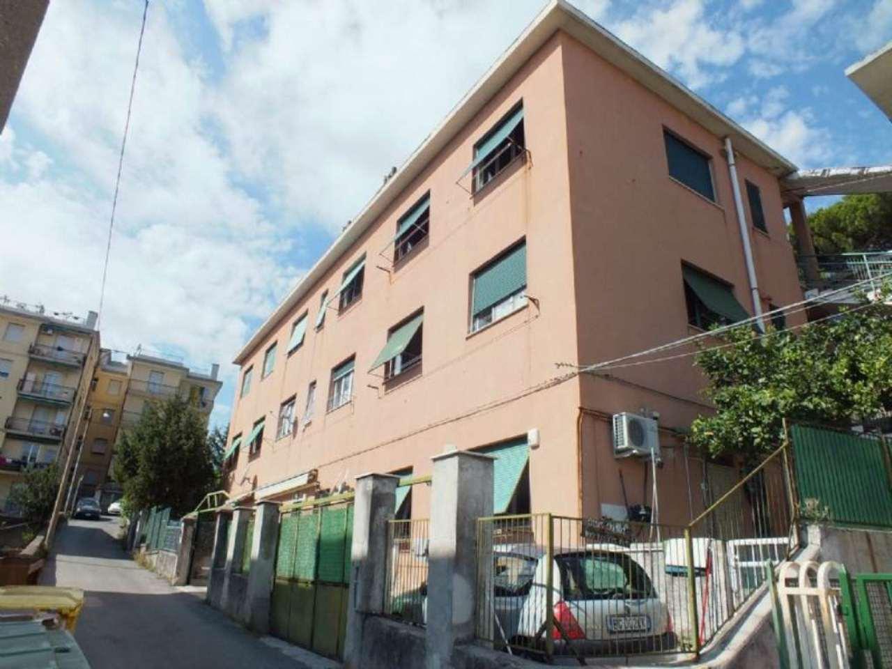 Appartamento in vendita a Genova, 5 locali, zona Zona: 13 . Sestri Ponente, Medio Ponente, prezzo € 99.000 | Cambio Casa.it