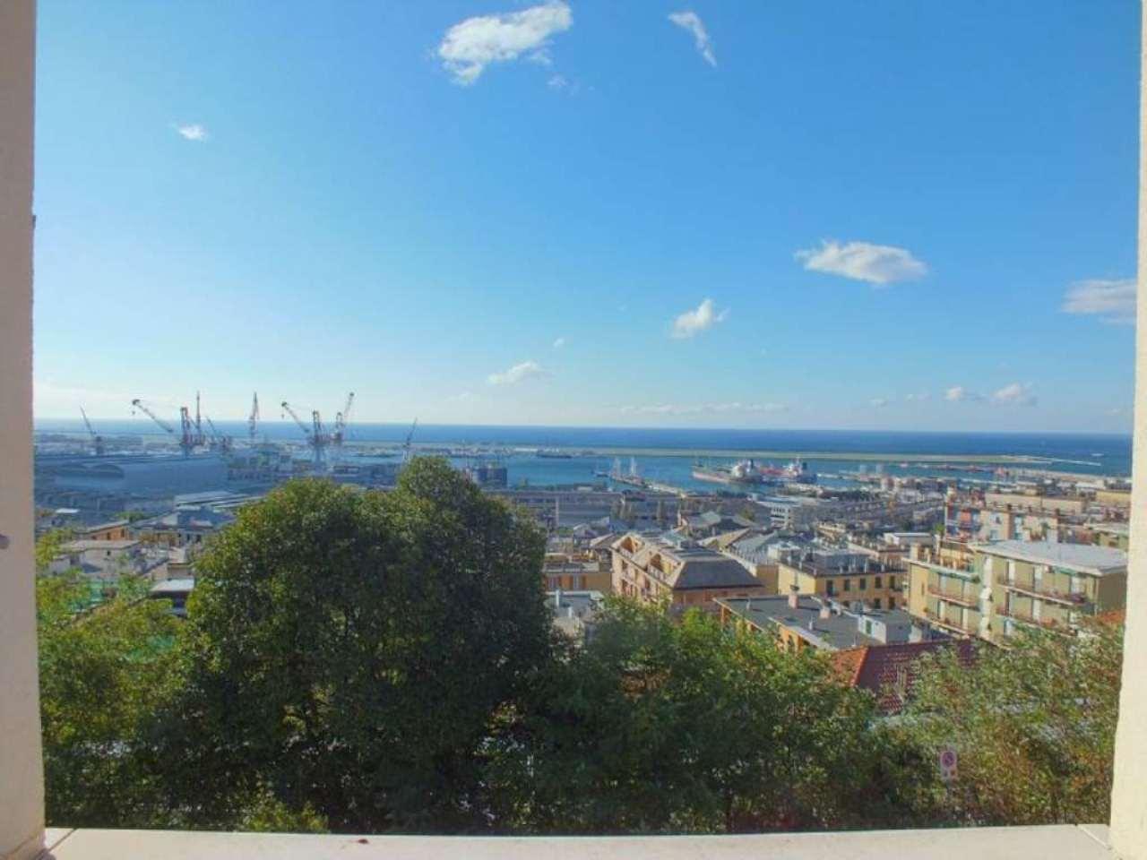 Appartamento in vendita a Genova, 4 locali, zona Zona: 13 . Sestri Ponente, Medio Ponente, prezzo € 139.000 | Cambio Casa.it